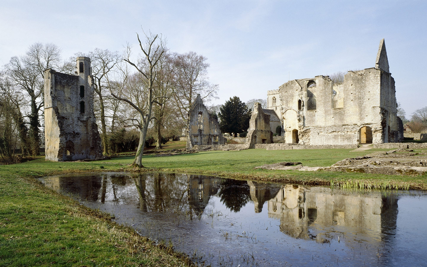 Minster Lovell Hall and Dovecote [photo credit English Heritage]