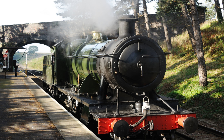 The Gloucestershire Warwickshire Steam Railway [photo credit Canva]