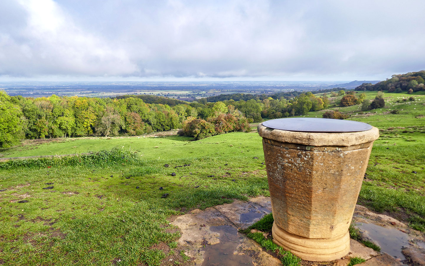 Views from Dovers Hill on the Cotswold Way circular walk from Chipping Campden