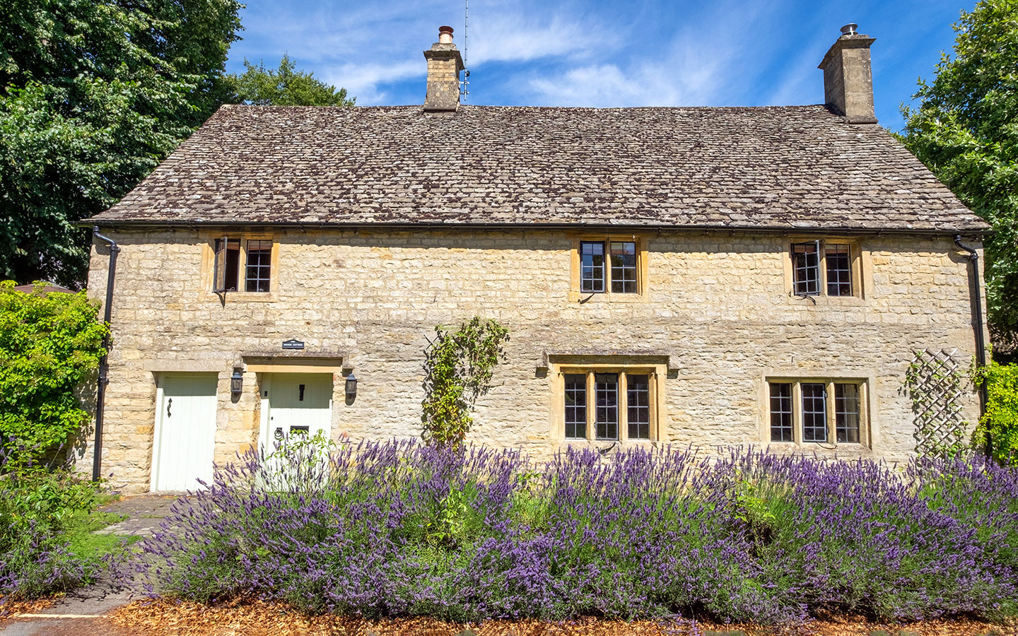 Pretty cottages in Lower Slaughter, Cotswolds
